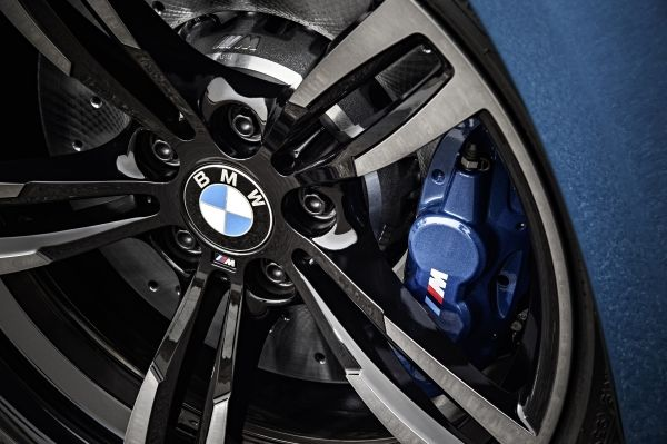 P90210186_lowRes_bmw-m2-coupe-02-2016